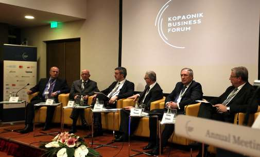 Азески: Инфраструктурата останува најголем приоритет