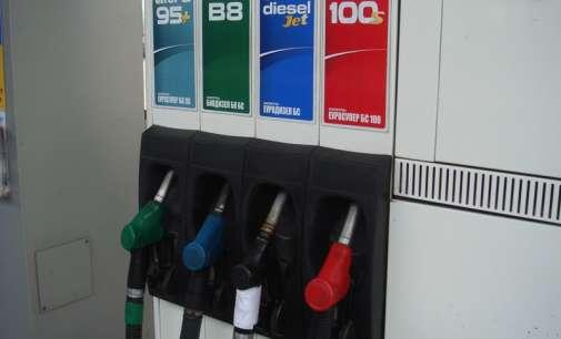 Цените на бензините повисоки за 0,5 ден., на дизелот 1,5 ден.