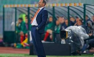 Холанѓаните го отпуштија Дени Блинд