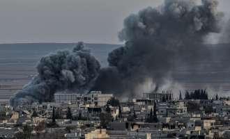 AFP: Најмалку 33 лица загинаа во воздушни напади во Сирија