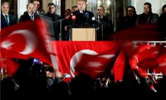 Шефот на турската дипломатија го обвини Берлин
