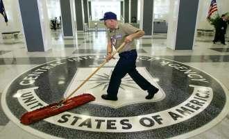 Лавров не носи мобилен на чувствителни преговори за да ја избегне CIA