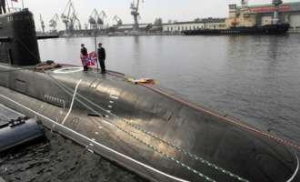 """Новинари влегоа во најсовршената подморницата во светот наречена """"Црната дупка"""""""