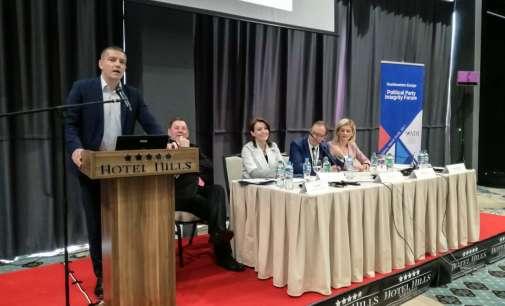 Манчевски во Сараево: Нема да дозволиме Иванов и Груевски за лични интереси да го спречат формирањето на новата Влада!