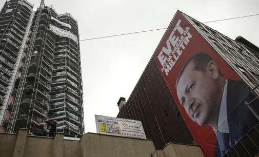 Турција му забрани на амбасадорот на Холандија враќање во Анкара