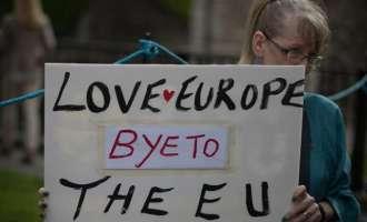 Историски ден:  Велика Британија ќе треба да плати 60 млрд. евра за да се откачи од Брисел