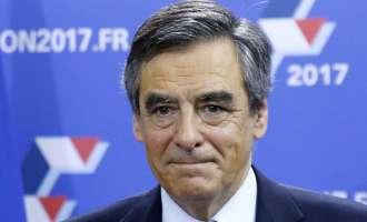 Соработниците на Саркози упорни Фијон да избере наследник за изборите