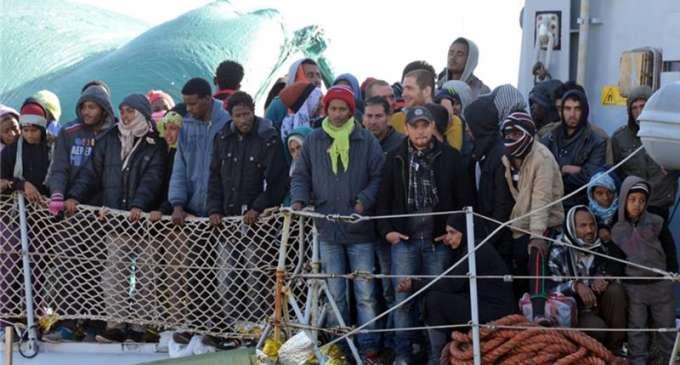 Брисел им порача на членките повеќе да ги притвораат мигрантите кои чекаат депортирање