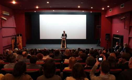 """Одржана светската премиера на документарниот филм """"Езеро од јаболка"""""""