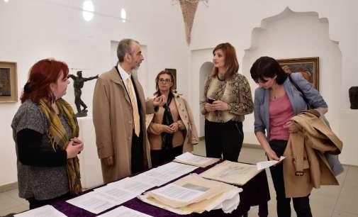 Словенечкиот амбасадор Јазбец во посета на Националната галерија на Македонија