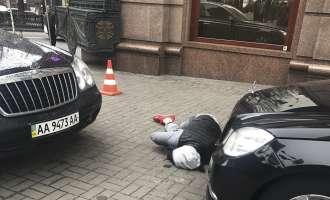 Убиецот на поранешниот руски пратеник во Киев им подлегнал на повредите