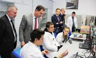 """Специјална ЕВН паралелка во електротехничкото училиште """"Михајло Пупин"""" во Скопје"""
