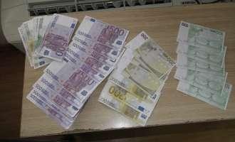 Цариниците спречиле обид за изнесување на фалсификат евра