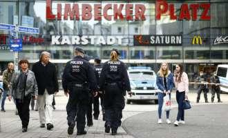 Тројца бомбаши самоубијци го планирале нападот во Есен