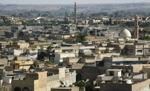 Најмалку 200 луѓе убиени во воздушен напад во Мосул, повеќето од нив цивили