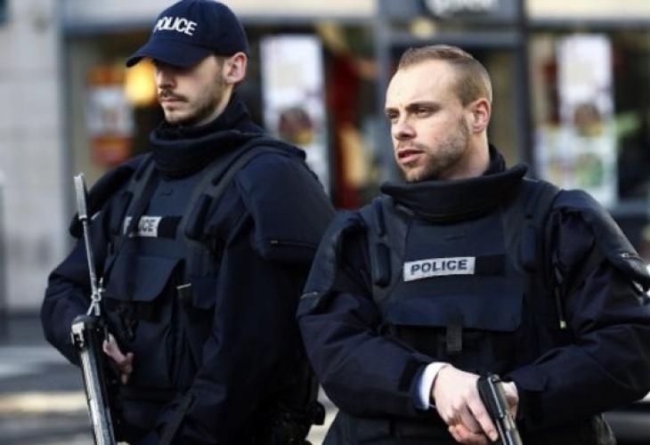 Кошмарот од Лондон на пат да се повтори и во Антверпен   маскиран маж се обидел да прегази луѓе