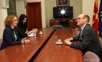 Шекеринска на средба со Бјорнстад порача Иванов веднаш да го даде мандатот на СДСМ