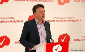 Шилегов: Државен приоритет е Иванов да го даде мандатот, а не да патува