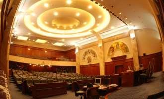 Никој не свикува собраниска седница, локалните избори се одложуваат?
