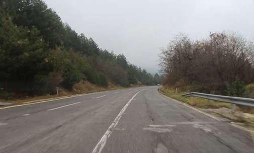 Тековно одвивање на сообраќајот, делумно по влажни коловози