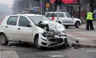 Во Скопје 11 сообраќајки, две лица потешко повредени