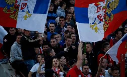 Навивачи на Спартак Москва избодени со нож во Белград