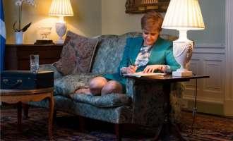 Старџен во писмо бара од Меј референдум за независност