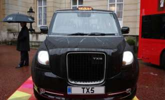 Geely отвора фабрика во Британија во која ќе се произведуваат електрични лондонски такси возила