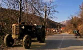Жител на Долгаш загинал при пад од трактор