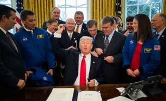 Трамп додели дополнителни финансиски средства за истражување на Марс