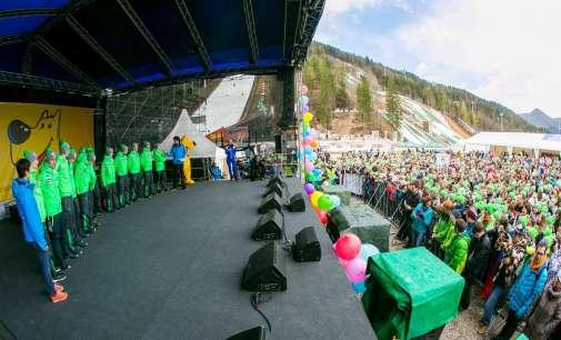 Повеќе од 3.500 деца на Планица ќе ги бодрат најдобрите светски ски-скокачи