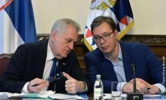 """Јеремиќ: Режимот на Вучиќ упорно го плаши народот со """"македонско"""" сценарио"""