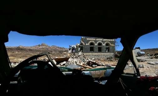 Ракетирана џамија во Јемен, загинаа најмалку 26 војници