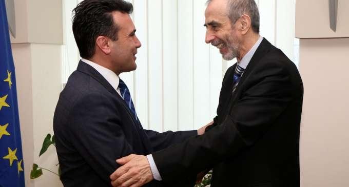 Заев на средбата со Јазбец: Ќе ја тргнеме секоја пречка за изговор од Иванов и Македонија ќе добие нова Влада