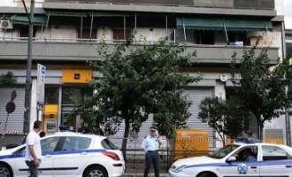 Грчката полиција сѐ уште не ги фатила смелите крадци од Пиреја