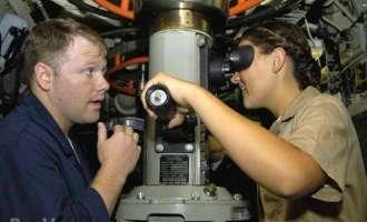 САД ги прилагодуваat атомските подморници за да влезат жените во екипажот
