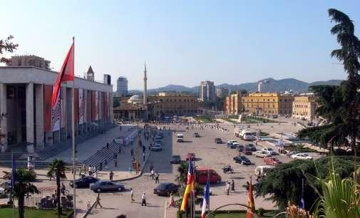 Руски агенти пристигнаа во Тирана