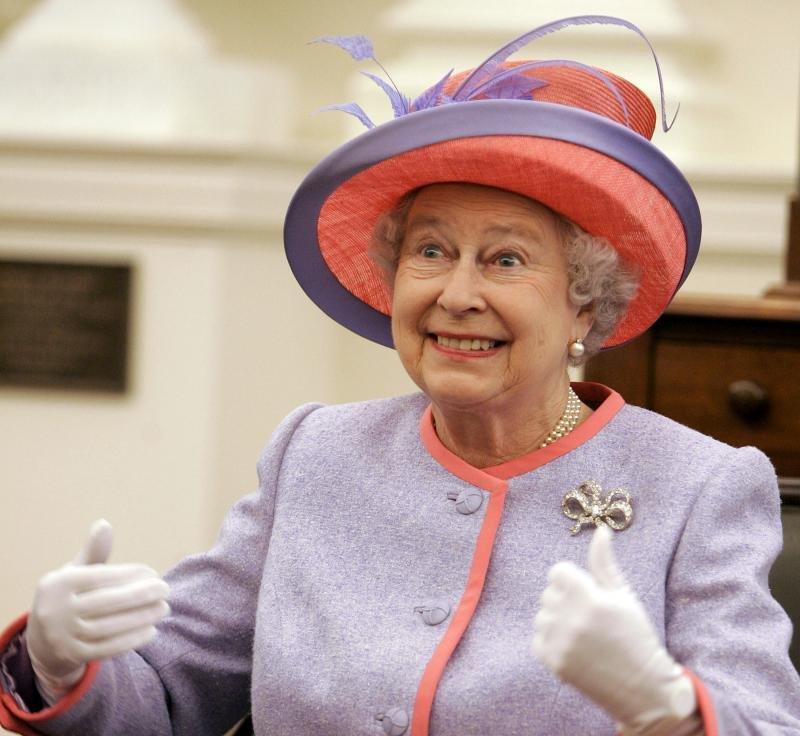 Британија го слави 91  роденден на кралицата Елизабета Втора