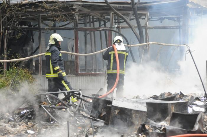 """Пожарот кај """"Здравко Цветковски"""" локализиран – нема повредени"""