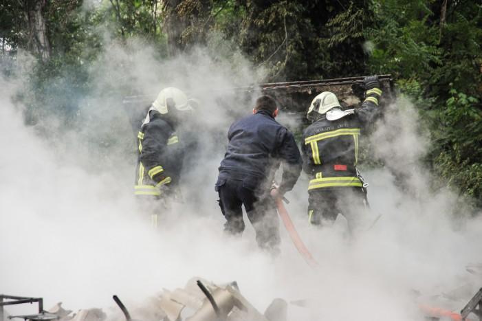 """Пожарот кај """"Здравко Цветковски"""" локализиран – нема повредени (галерија)"""
