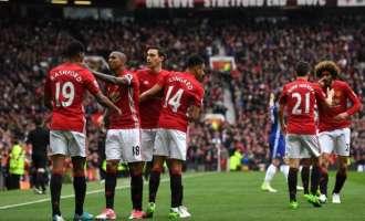 Јунајтед ја врати незивесноста во борбата за титулата  во Англија