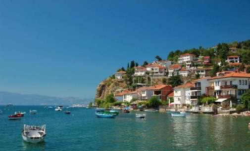 Balkan Insight: Неконтролираниот туризам на Балканот им се заканува на објектите заштитени од УНЕСКО