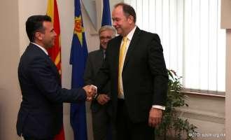 Средба Заев – Бартол: Новата Влада ќе се формира, приоритет е членството во НАТО!