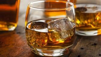 Зошто по поминат стресен ден луѓето конзумираат алкохол