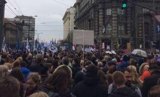 Протести на војската, полицијата и студентите во Белград