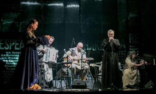 """""""Шекспир засекогаш"""" и """"Фолтин"""" успешно пред публиката во Санкт Петербург"""