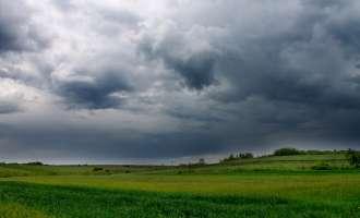 Зголемена облачност проследена со повремени локални врнежи од дожд