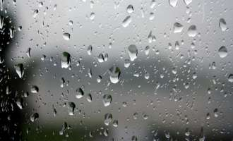 Облачно со повремен локален дожд