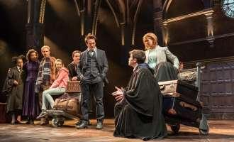 """""""Хари Потер и проколнатото дете"""" ги сруши рекордите во историјата на """"Лоренс Оливие""""-подобра и од книгата и од филмот, велат критичарите"""