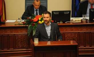 Продолжи седницата во Собранието – Протестите, празниците и платформата моментална топ тема